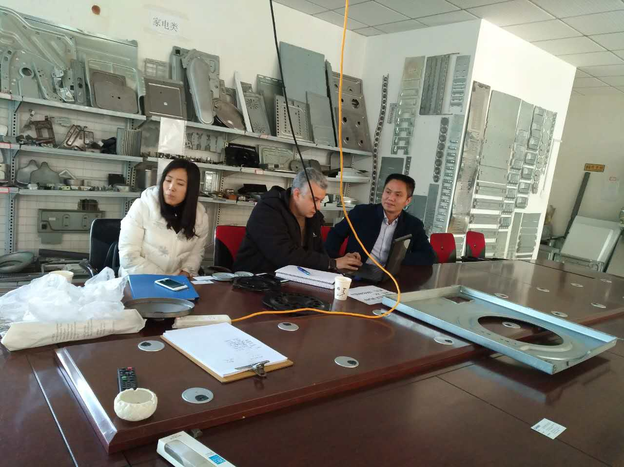 美国客户访问青岛鑫精诚 表示青岛鑫精诚很专业